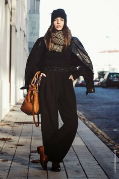 La Coquette Miseráble Street Style // Winter Outfit // Black