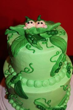 Baby shower pea pod cake