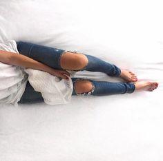 Current/Elliott 'The Stiletto' Destroyed Skinny Jeans (Niagara Destroy) (Nordstrom Exclusive) Boyfriend Jeans, Vaqueros Boyfriend, Coco Chanel, Look Fashion, Fashion Outfits, Heels Outfits, Fashion 2016, Fashion Heels, Fashion Pants