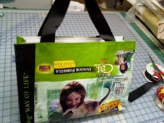 This is the best set of directions i've seen  Tote bag made from dog food bag!