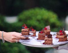 Yummy Yummy! Um docinho pra animar o dia  As sobremesas e doces da @nininhasigrist são lindas e de comer de joelhos! #gordices #gordinhasafada #qgfhits #nininhasigrist #docesespeciais