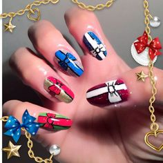 #holidaynails #freehand #nails #nailart #naildesign