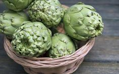 Soluble fiber foods include oats, black beans, soy nuts, Brussels sprouts and sweet potatoes. The fiber in these foods may have special benefits for your health. Gut Health, Health And Wellness, Sante Bio, How To Cook Artichoke, Fiber Supplements, Womens Health Magazine, High Fiber Foods, Liver Detox, Cleanse Recipes