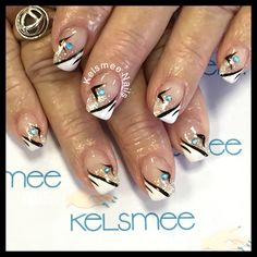 Young nails gel glitterfade with caption nailart