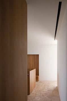 Beautiful restrained material palette of the CAN DURBAN 2 house by Belgian architect Bruno Erpicum.