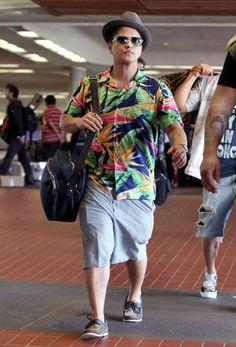 Bruno Mars looking natural with his shirt