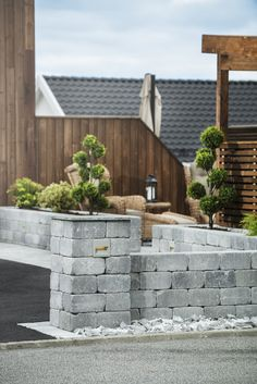 Bildegalleri - Multiblokk Backyard Retaining Walls, Trump Wall, Country House Design, Backyard Paradise, Planter Boxes, Garden Paths, Home Projects, Open Plan, Pergola