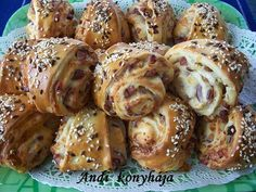 Andi konyhja - Stemny s telreceptek kpekkel - G-Portál Hungarian Recipes, Hungarian Food, Appetisers, Sweet And Salty, Pretzel Bites, Pain, My Recipes, Vegetarian Recipes, Bakery