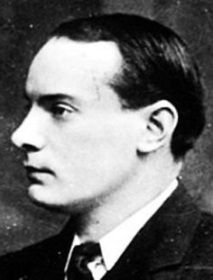 This is Padraig Pearse. He helped to lead the Easter Rising in 1916 in Ireland. This lead to the Irish War of Independence, which got Ireland its (partial) freedom which it has today. Pearse also. Ireland 1916, Ireland Map, Irish Images, Easter Rising, Irish Language, Michael Collins, The Valiant, Ireland Homes, Irish Blessing