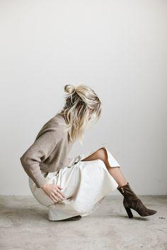 #midiskirt #pullover #boots #fashion #mode