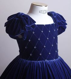 Dark-blue velvetdress embroidered with Swarovski crystals and pearls.All embroidery is handmade. Baby Girl Party Dresses, Kids Outfits Girls, Little Girl Dresses, Girl Outfits, Girls Frock Design, Baby Dress Design, Baby Frocks Designs, Kids Frocks Design, Kids Gown