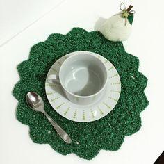 """""""Sousplat de crochê para mesa de café/chá! Novos modelos!  #sousplatdecroche #sousplat #croche #crochet #mesaposta #meseiras #meseirasassumidas…"""""""