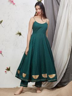 Shine like a sun.because you are the only one who enlighten the people around you😊 Price - DM Fabric - cotton ( please ask) Shipping is free in India Sizes - No COD . Indian Fashion Dresses, Indian Gowns Dresses, Dress Indian Style, Indian Designer Outfits, Long Dresses, Designer Dresses, Indian Wedding Outfits, Indian Outfits, Pakistani Outfits