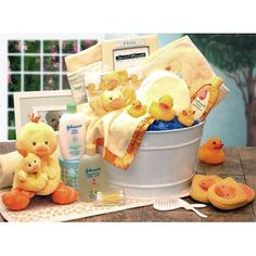 Bath Time Baby Baby Shower Gift Baskets. Adorable plus files with essentials the mom will use and appreciate later.