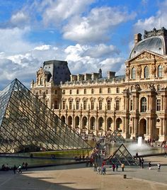 I Miss Living in Paris! Louvre Museum (Musée du Louvre) in Paris Dream Vacations, Vacation Spots, The Places Youll Go, Places To See, Paris France, Wonderful Places, Beautiful Places, Amazing Places, Amazing Art