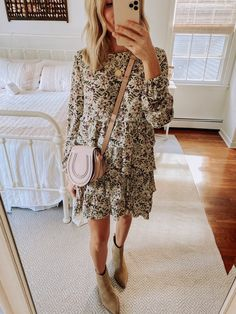 Summer Fashion Tips cute comfy floral dress.Summer Fashion Tips cute comfy floral dress Summer Work Outfits, Spring Outfits, Dress Summer, Mode Outfits, Dress Outfits, Maxi Dresses, Casual Outfits, Cute Floral Dresses, Floral Skirt Outfits