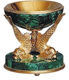 Ashtray  Bronze, gilding, malachite  The Malachite in Russia