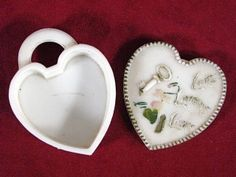 McKee Milk Glass Love Laughs at Locks Dresser Box Dresser Sets, Milk Glass, Locks, Antiques, Box, Beautiful, Antiquities, Antique, Snare Drum