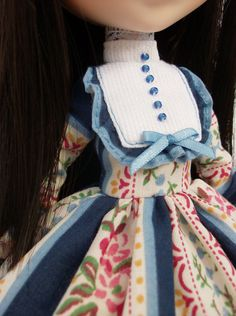 Classic Lolita set for Pullip by SquishTish on Etsy, $28.60 Made with traditional portuguese fabric and perfect to bring so colour into your doll's cold winter days! ♥ #Pullip #Doll #Clothes #Dress #OP #Onepiece #Headbow #Lolita #Classic #Blythe #Momoko