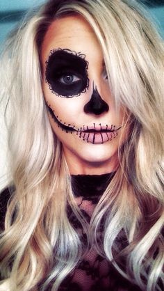 Joker Halloween, Cute Halloween Makeup, Pretty Halloween, Halloween Inspo, Halloween Skeletons, Halloween Make Up, Halloween Costumes For Girls, Costume Halloween, Vintage Halloween