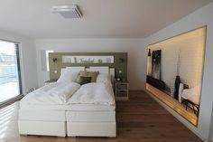 Schlafzimmer modern mit Lichtwand 3D