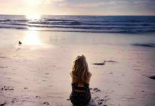 Discover ideas about beach wallpaper. images of lonely girl Good Night Wallpaper, Beach Wallpaper, Girl Wallpaper, Just Thinking About You, Sunset Girl, Lonely Girl, Going Away, Wallpaper Free Download, Music Mix