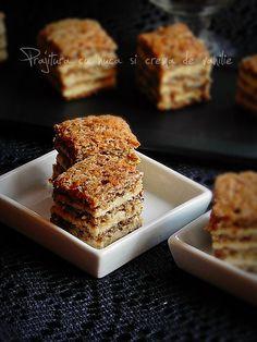 Cake with walnuts and vanilla cream Romanian Food, Romanian Recipes, Layered Desserts, Walnut Cake, Vanilla Cream, Dessert Bars, Banana Bread, Food And Drink, Sweets