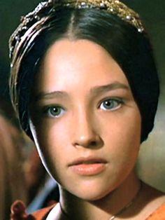 . Film Romeo And Juliet, Zeffirelli Romeo And Juliet, Shakespeare, Olivia Hussey, Juliet Capulet, Julie Christie, Aloe Vera For Hair, Tv Girls, Beauty Forever