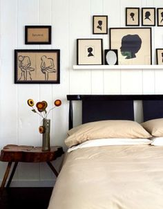 Silhouettes, white walls, shelf above the bed. Home Bedroom, Bedroom Decor, Budget Bedroom, Design Bedroom, Modern Bedroom, Bedroom Furniture, Bedroom Ideas, Black Bedding, Home And Deco