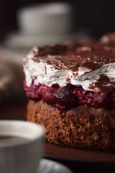 haselnuss-kirsch-kuchen-hazelnut-cherry-cake-10
