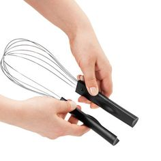 Whisk with magnetized handle that comes apart to clean easier.
