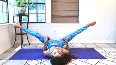 """Vnútorné stehná sú skutočne problematická partia. Dosiahnuť, aby sa """"neľúbili"""" a netreli sa o sebe pri chôdzi je skutočne náročné. A najmä v prípade žien. Excercise, Pilates, Bodybuilding, Health Fitness, Sporty, Yoga, How To Plan, Youtube, Tights"""