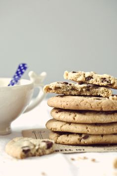 Chocolate Chip Cookies a la Jacques Torres from @Jen Laceda | Tartine and Apron Strings