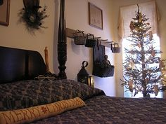 taylors*farmhouse*attic: December 2009- Love how they finished that Goode Huswife Merry Christmas piece! kh