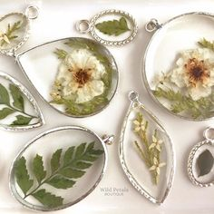 Botanical jewelry made with real flowers preserved in resin. Wild Petals Boutique also offers custom jewelry using your flowers. Epoxy Resin Art, Diy Resin Art, Diy Resin Crafts, Jewelry Crafts, Avon Vintage, Resin Jewelry Making, Resin Jewlery, How To Preserve Flowers, Preserving Flowers