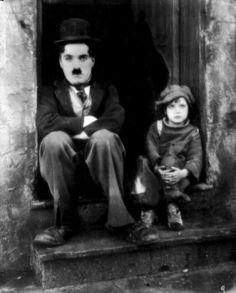 DU CHAOS NAISSENT LES ETOILES 'Charlie Chaplin'