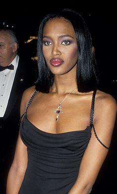 "naomihitme: ""Naomi @ The 'Michael' Awards Benefit for the National Children's Leukemia Foundation - April 1994 "" 💂🏾💧artesian-tears💧💂🏾 2000s Fashion, Runway Fashion, Fashion Models, Celebrities Fashion, Top Models, Naomi Campbell 90s, Irina Shayk, No Ordinary Girl, Viejo Hollywood"