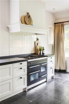Range Cooker With Proving Drawer Range Cooker In Island Barn Kitchen, Kitchen Time, Kitchen On A Budget, Home Decor Kitchen, New Kitchen, Kitchen Interior, Range Cooker, Metal Building Homes, Scandinavian Kitchen