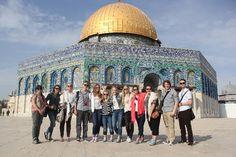 """Besøk fra School of Hope i Ramallah    Fra 25. april til 2. mai hadde vi besøk av palestinske elever fra vennskapsskolen vår School of Hope i Ramallah.  """"Kulturkræsj"""" er et beskrivende ord for hvordan de fleste palestinske elevene følte det, og flere kommenterte stillheten og mangelen på mennesker rundt om i gatene. Vi lærte og viste dem alt vi klarte og kunne på sju dager.  To uker kan endre ens perspektiv og oppfatning om en selv og andre helt. Takk for opplevelsen!  Av Kristine S. Lomnes"""