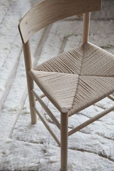Designed by Børge Mogensen in is a versatile masterpiece crafted from solid wood, featuring a hand-woven seat in natural paper cord. Grease Stains, Wood Oil, Minimal Home, Interior Decorating, Interior Design, Wood Surface, Wishbone Chair, Painting On Wood, Wicker