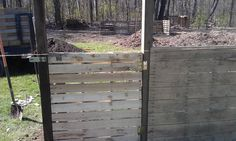 Pallet fence and pallet gate