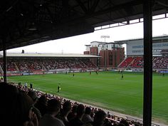 Matchroom Stadium. Leyton Orient vs. Brentford 1-1 (9.9.2006). League One.