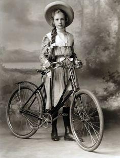 http://www.oldbike.eu/emancipation/wp-content/uploads/2011/04/lady_cyclist.jpg