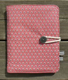 free tutorial of the sketchbook / My Little Seams Baby Couture, Couture Sewing, Baby Diy Projects, Sewing Projects, Capas Kindle, Diy Bags Purses, Creation Couture, Sewing Accessories, Bookbinding