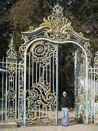 brána ako do paláca
