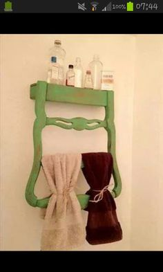 By Your Hands: Trash to Treasure -- Recycling Chair Backs. Some people are so creative! Diy Projects To Try, Crafts To Do, Craft Projects, Diy Crafts, Craft Ideas, Diy Ideas, Repurposed Furniture, Diy Furniture, Painted Furniture