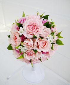 #novarese##VressetRose #Wedding #pink #bouquet#smokypink  #Flower #Bridal #rose#ノバレーゼ#ブレスエットロゼ #ウエディング# ピンク #スモーキーピンク #シンプル#ブーケ#ラウンドブーケ# ブライダル#結婚式#バラ#ジャスミン