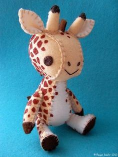 ooh what a darling giraff for the little ones made from felt.