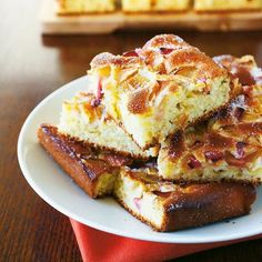 Suurniemen tarhan omenapiirakka | Maku French Toast, Breakfast, Food, Morning Coffee, Eten, Meals, Morning Breakfast, Diet