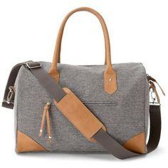 Le sac à langer Duffy de la marque Mamas and Papas sera l allié  indispensable fa4bd80738f